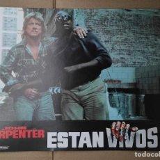 Cinema: OFERTA CARTELERA DE ESTAN VIVOS *JOHN CARPENTER, RODDY PIPER, KEITH DAVID* PERFECTO ESTADO 33X24CM. Lote 280339158