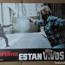 Cinema: OFERTA CARTELERA DE ESTAN VIVOS *JOHN CARPENTER, RODDY PIPER, KEITH DAVID* PERFECTO ESTADO 33X24CM. Lote 280339168