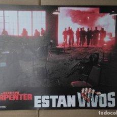 Cinema: OFERTA CARTELERA DE ESTAN VIVOS *JOHN CARPENTER, RODDY PIPER, KEITH DAVID* PERFECTO ESTADO 33X24CM. Lote 280339183