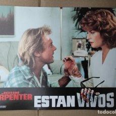 Cinema: OFERTA CARTELERA DE ESTAN VIVOS *JOHN CARPENTER, RODDY PIPER, KEITH DAVID* PERFECTO ESTADO 33X24CM. Lote 280339213