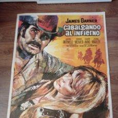 Cine: ANTIGUO CARTEL DE CINE ORIGINAL AÑOS 60 CABALGANDO AL INFIERNO. Lote 282908048