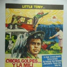 Cine: CARTEL DE CINE - CHICAS,GOLPES Y LA MILI. Lote 285543948