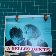 Cine: A BELLES DENTS 1966 CARTEL PÓSTER AFICHE MIRELLE DARC JACQUES CHARRIER MARCEL CARNE BUENO ESTADO. Lote 286927538
