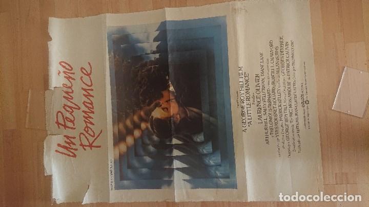 CARTEL DE DE LA PELICULA , UN PEQUEÑO ROMANCE , TAMAÑO 70X100 CM APROX , LEER DESCRIPCION (Cine - Posters y Carteles - Suspense)