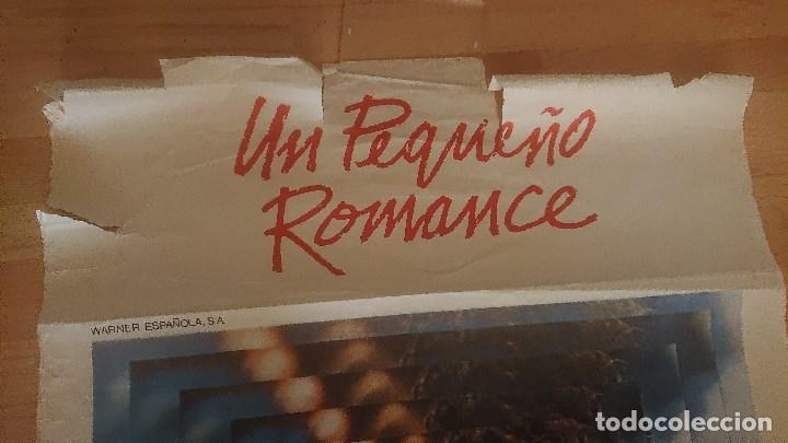 Cine: CARTEL DE DE LA PELICULA , UN PEQUEÑO ROMANCE , TAMAÑO 70x100 CM APROX , LEER DESCRIPCION - Foto 2 - 287181203