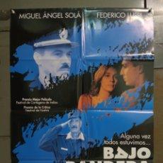 Cine: CDO M514 BAJO BANDERA MIGUEL ANGEL SOLA FEDERICO LUPPI POSTER ORIGINAL ESPAÑOL 70X100 ESTRENO. Lote 288621793