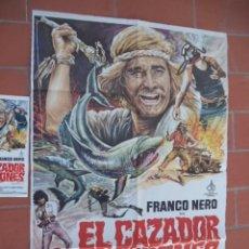 Cine: CARTEL DE CINE 70X 100 APROX MOVIE POSTER + GUIA VER FOTOS EL CAZADOR DE TIBURONES FRANCO NERO. Lote 288650703