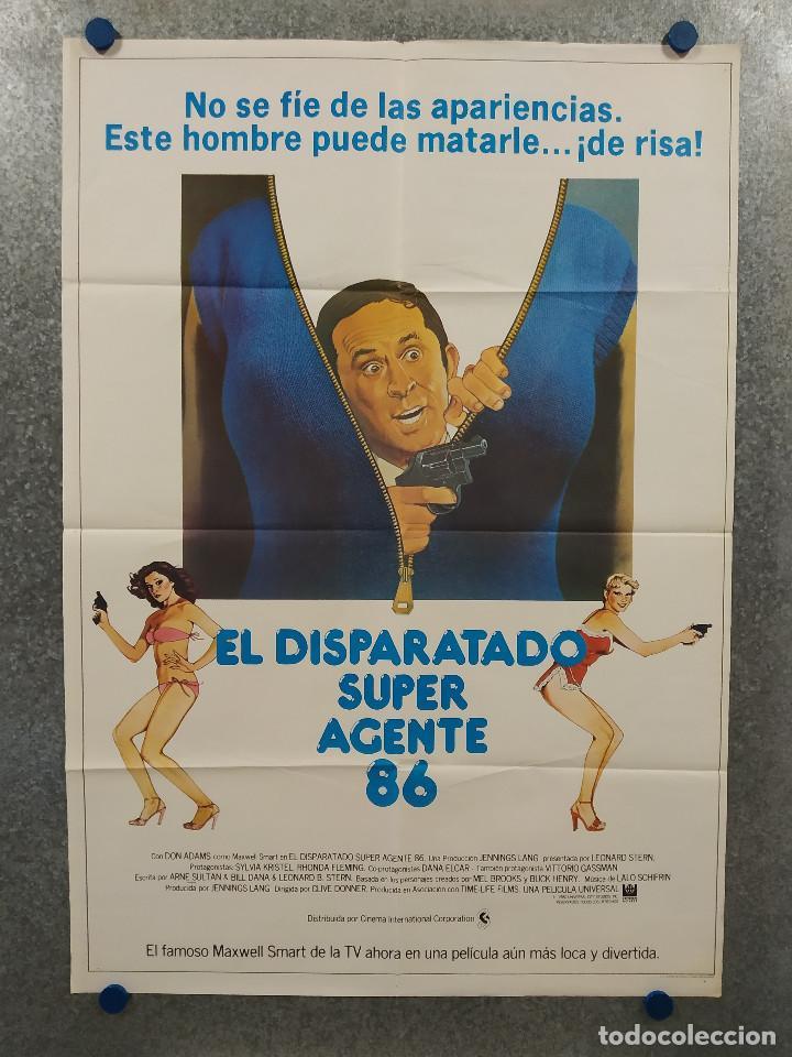 EL DISPARATADO SUPER AGENTE 86. DON ADAMS, SYLVIA KRISTEL, RHONDA FLEMING. AÑO 1980. POSTER ORIGINAL (Cine - Posters y Carteles - Comedia)