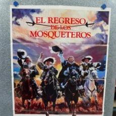 Cine: EL REGRESO DE LOS MOSQUETEROS. MICHAEL YORK, OLIVER REED, FRANK FINLAY POSTER ORIGINAL. Lote 289319913