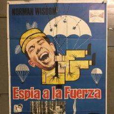 Cine: CDO N186 ESPIA A LA FUERZA NORMAN WISDOM POSTER ORIGINAL 70X100 ESTRENO. Lote 295300343