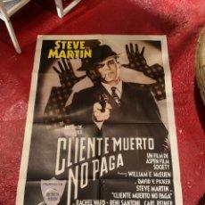 Cine: POSTER CLIENTE MUERTO NO PAGA. Lote 296855123