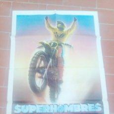 Cine: CARTEL DE CINE 70X 100 APROX MOVIE POSTER VER FOTO SUPERHOMBRES ON ANY SUNDAY ED FORSYTH. Lote 297030283