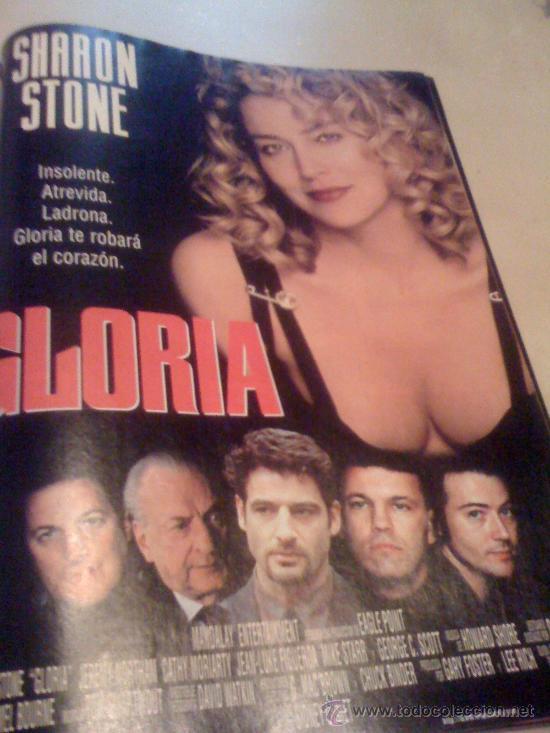 'GLORIA', CON SHARON STONE. PÁGINA DE PRENSA. (Cine - Reproducciones de carteles, folletos...)