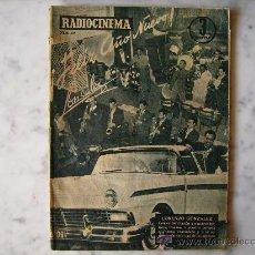 Cine: REVISTA RADIOCINEMA Nº 388,DICIEMBRE 1957.PORTADAS ORQUESTA DE LORENZO GONZALEZ Y MARA CORDAY. Lote 30961599