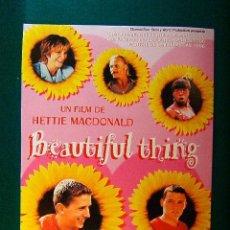 Cinema: BEAUTIFUL THING - HETTIE MACDONALD - LINDA HENRY - GLEN BERRY - SCOTT NEAL - BEN DANIELS - GUIA ... . Lote 38089263