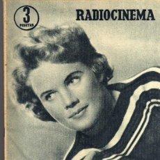 Cine: RADIOCINEMA Nº 349 -30 MARZO 1957 - PORTADA CARROLL BAKER - CONTRAPORTADA ROCK HUDSON. Lote 38408883