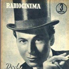 Cine: RADIOCINEMA Nº 329 - 10 NOVIEMBRE 1956 - PORTADA DODY WILLTON - CONTRAPORTADA GINA LOLLOBRIGIDA . Lote 38412146