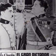 Cine: CARTON CON EL FOTOGRAMA DE LA PELICULA EL GRAN DICTADOR DE CHARLES CHAPLIN. Lote 99382251