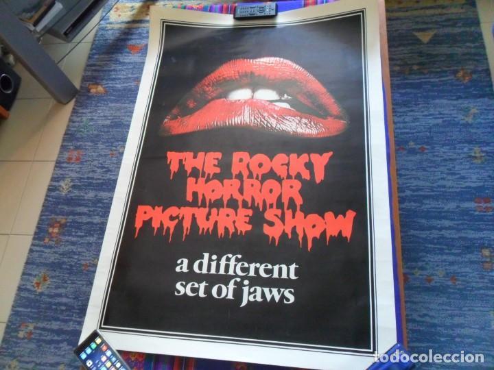 CARTEL THE ROCKY HORROR PICTURE SHOW. A DIFFERENT SET OF JAWS. 100X70 CMS. BUEN ESTADO. (Cine - Reproducciones de carteles, folletos...)
