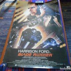 Cine: CARTEL BLADE RUNNER HARRISON FORD EN INGLÉS. AÑO 1982. 88X66 CMS. BUEN ESTADO.. Lote 109278643