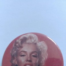 Cine: CHAPA MARILYN MONROE - ALFILER DE 58MM. Lote 133877022