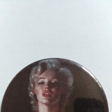 Cine: CHAPA MARILYN MONROE - ALFILER DE 58MM. Lote 133877066