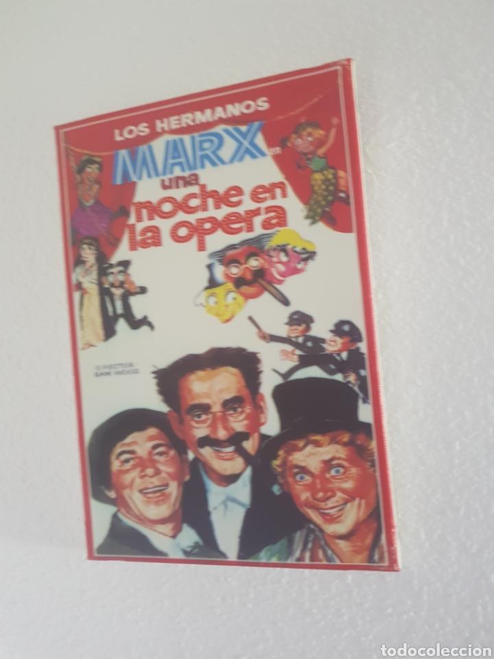 CARTEL UNA NOCHE EN LA ÓPERA DE LOS HERMANOS MARX. REPRODUCCIÓN EN LIENZO. 24X34,5CM (Cine - Reproducciones de carteles, folletos...)