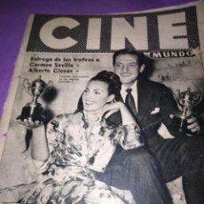 Cine: CINE MUNDO ENTREGA DE LOS TROFEOS A CARMEN SEVILLA Y ALBERTO CLOSAS AÑO V 21 ABRIL 1956. Lote 161621274