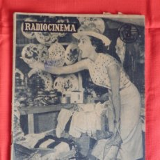 Cine: AVA GADNER, REVISTA RADIOCINEMA NÚM. 387, 21 DICIEMBRE 1957. Lote 175918372