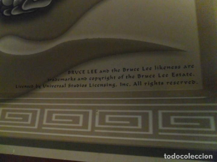 Cine: CARTEL BRUCE LEE. EDITA PYRAMID. 86X61 CMS. BUEN ESTADO. RARO. - Foto 2 - 180072843