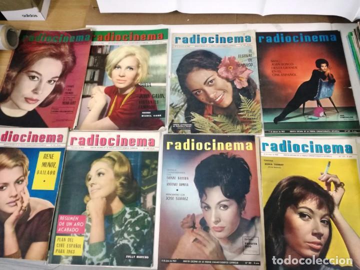 LOTE DE 8 REVISTAS RADIOCINEMA AÑOS 60 VER FOTOS . (Cine - Revistas - Radiocinema)