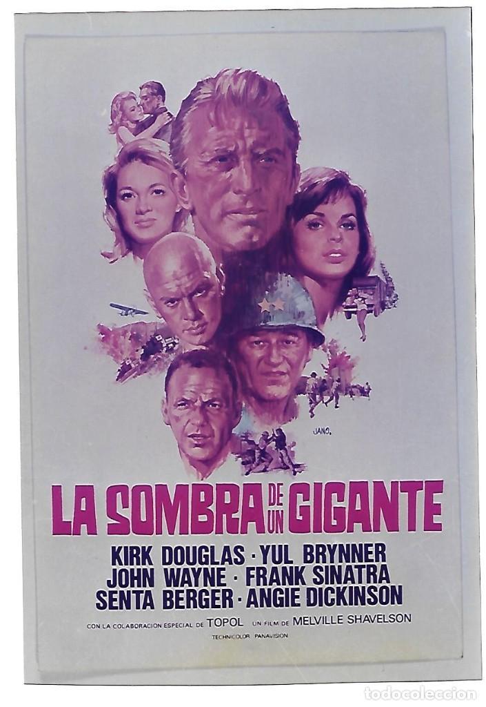 LA SOMBRA DE UN GIGANTE (Cine - Reproducciones de carteles, folletos...)