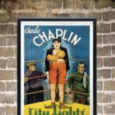 Cinema: CUADRO POSTER ENMARCADO CHAPLIN LUCES EN LA CIUDAD CARTEL PELICULA 30X20 CM. Lote 273615908