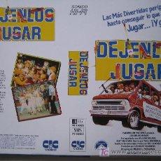 Cine: DEJENLOS JUGAR- CARATULA DE VIDEO TAMAÑO GRANDE. Lote 15976597