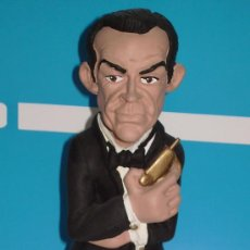 Cine: JAMES BOND, FIGURA DE RESINA.. Lote 75730187