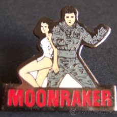 Cine: PIN ESMALTADO DE LA PELÍCULA MOONRAKER. ROGER MOORE. 007. JAMES BOND.. Lote 54953612