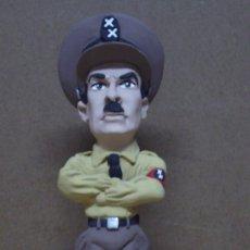 CHARLES CHAPLIN. EL GRAN DICTADOR. Figura en resina.