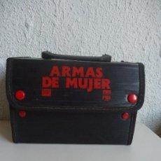 Cine: MALETIN PARA CINTAS O ,LO QUE QUIERAS .VHS ARMAS DE MUJER, AÑOS 80S. Lote 38535083