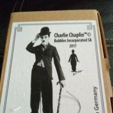 Cine: FIGURA DE CHARLES CHAPLIN DE HOJALATA.SE TIRA DEL CORDON Y LEVANTA EL SOMBRERO 16 CM. Lote 114332255
