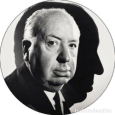 Cine: CHAPA/BADGE ALFRED HITCHCOCK . PIN BUTTON JAMES STEWART PSYCHO CARY GRANT NOIR. Lote 170368972