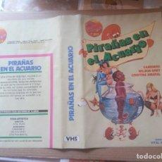 Cinema: CARATULA PIRAÑAS EN EL ACUARIO VHS. Lote 263151315