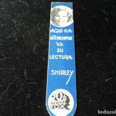 Cine: ANTIGUO PUNTO DE LECTURA. SHIRLEY TEMPLE, ARTISTA DE 20 CENTURY FOX, ORIGINAL EN CARTÓN. Lote 288530668