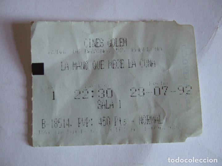 ENTRADA CINES GOLEM PAMPLONA - 1992 - PELICULA LA MANO QUE MECE LA CUNA (Cine - Entradas)
