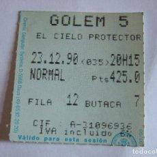 Cine: ENTRADA CINES GOLEM PAMPLONA - 1990 - PELICULA EL CIELO PROTECTOR. Lote 220136003
