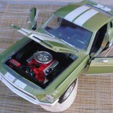 Coches a escala: FORD MUSTANG SHELBY GT 500KR DE 1968, ESCALA 1:18, COLOR VERDE Y BLANCO. Lote 44231736
