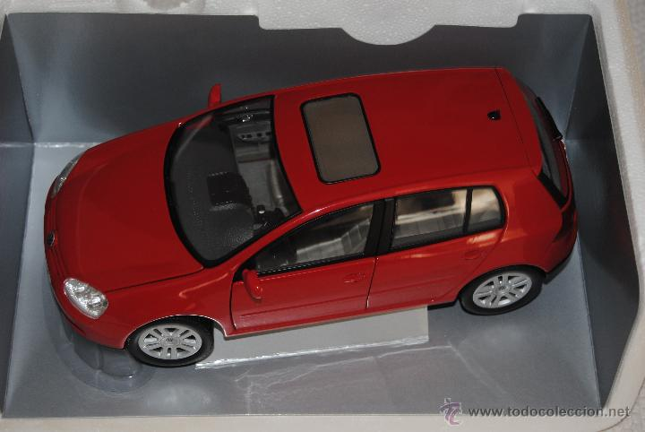 Coches a escala: VW GOLF SERIE V BURAGO - Foto 1 - 108057376