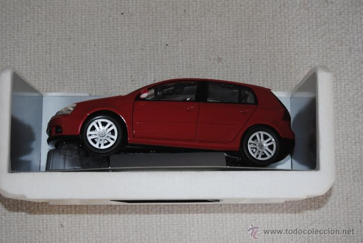 Coches a escala: VW GOLF SERIE V BURAGO - Foto 3 - 108057376