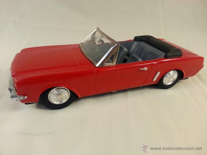 Coches a escala: Ford mustang convertible fricción de hojalata Juguete coche c1960s 28 cm - Foto 3 - 52835468
