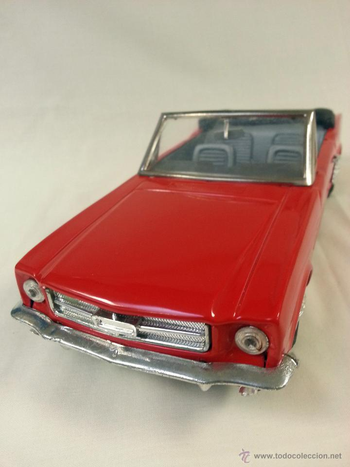 Coches a escala: Ford mustang convertible fricción de hojalata Juguete coche c1960s 28 cm - Foto 4 - 52835468