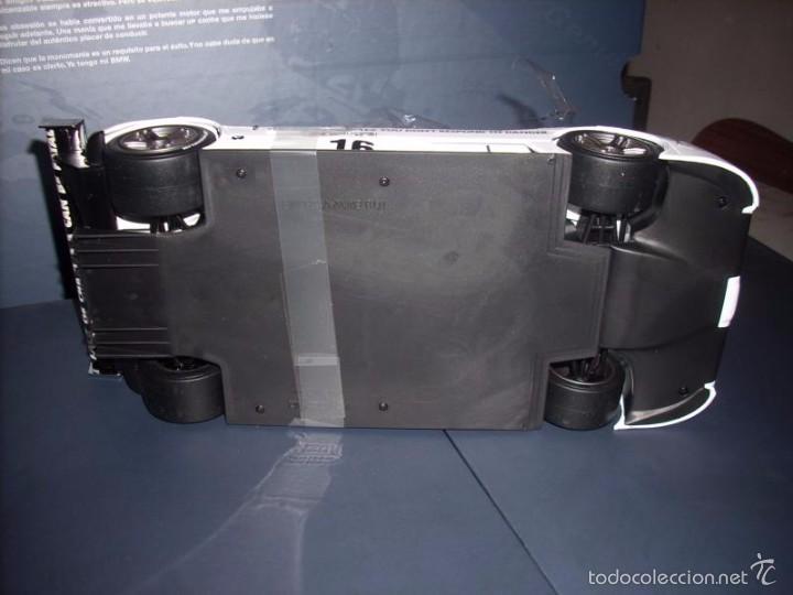 Coches a escala: 1:18 KYOSHO BMW V12 LMR ART CAR JENNY HOLZER SPECIAL SPANISH SET DEALER BOX RARE - Foto 10 - 56893216